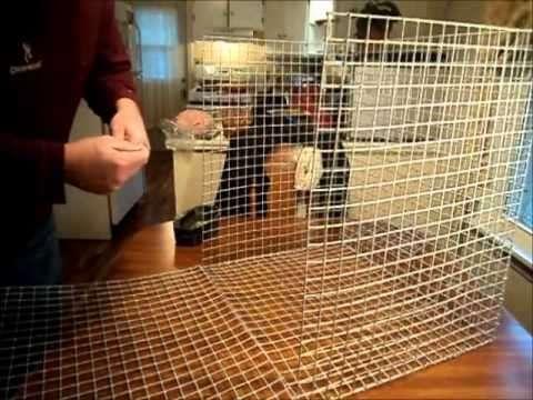 Металлическая сетка крепится к каркасу с помощью скоб или гвоздей