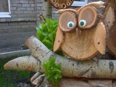 Не составит труда создание такого милого совенка, который будет жить у вас на дереве в саду.
