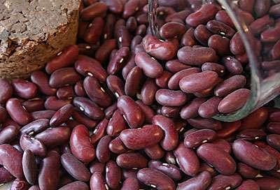 Рубин — темно-вишневые зерна, которые выглядят очень декоративно.