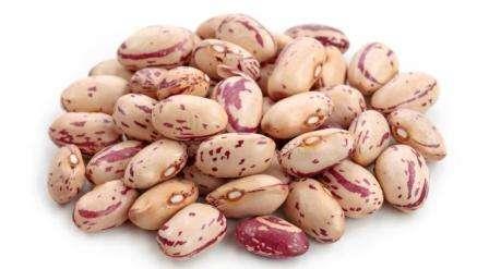 Пинто — белые бобы с яркими красными пятнами и высоким содержанием железа.