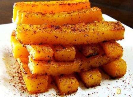 Срезать плоды тыквы «Витаминная» следует с небольшой плодоножкой (5-6 см).